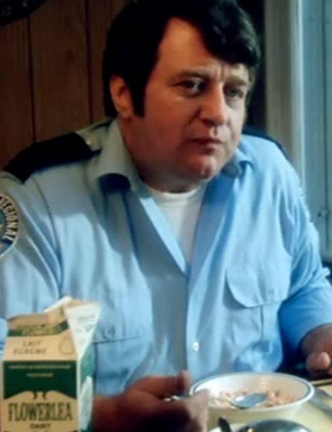 Bob Aarons<br /> (Malvern cop)